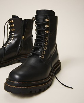 Tie-up leather combat boots